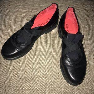 EUC pas ole rouge shoes Size 40.5 US 9.5.